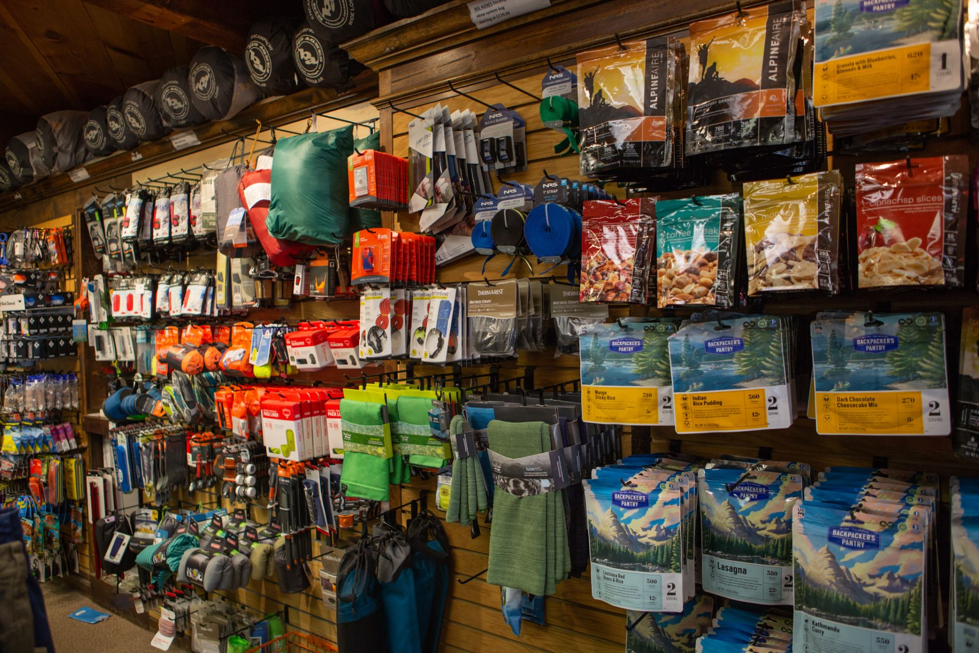 The Alpineer - Crested Butte Bike Shop - Bike Rentals - Outdoor Shop